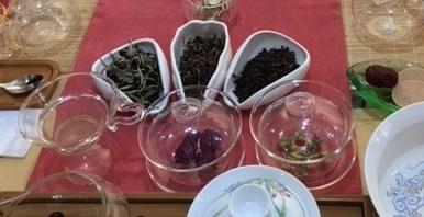 リリーの薔薇園「新年八方茶茶会」レポート